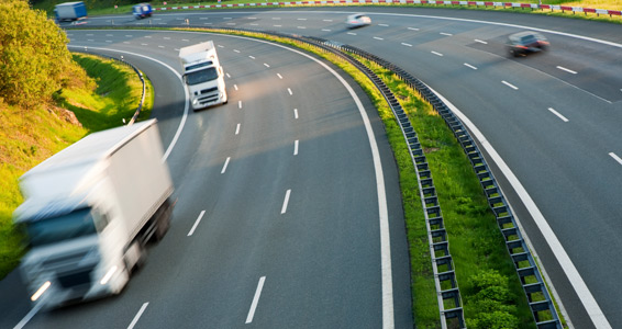 ritiro spedizioni merci e consegna su strada