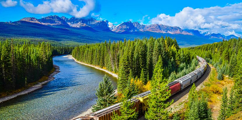 treno merci in montagna